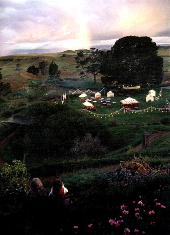 A Party Tree Grows in Hobbiton - 580x800, 65kB