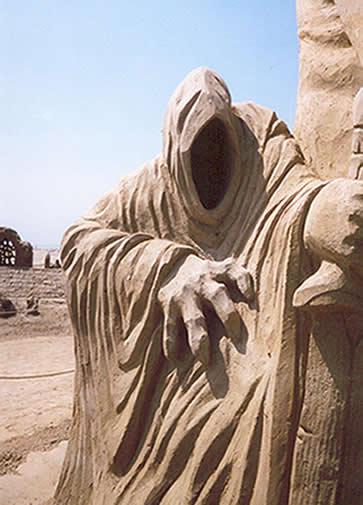 Sandsculpture Festival in Scharendijke, The Netherlands - 363x505, 32kB