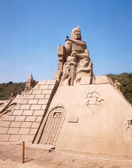 Sandsculpture Festival in Scharendijke, The Netherlands - 435x553, 27kB