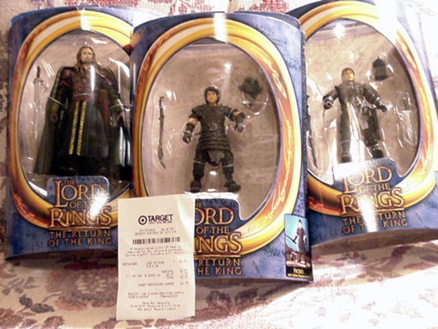 RoTK Aragorn, Sam and Frodo Action Figures - 640x480, 75kB