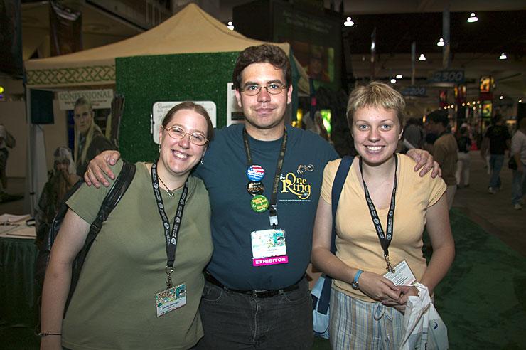 Irascian's Comic-Con 2003 Coverage - 740x492, 83kB