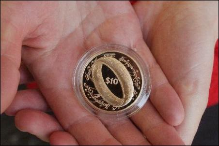 NZ Commisions LOTR Gold Coins - 452x302, 19kB