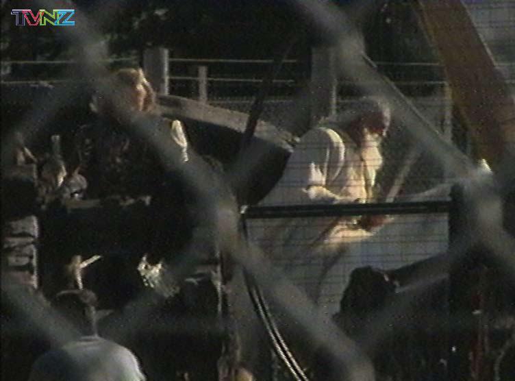 TVNZ November 2000 - 752x556, 47kB