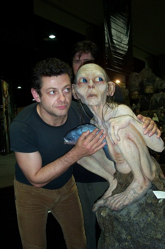 Andy with Smeagol - 530x800, 86kB