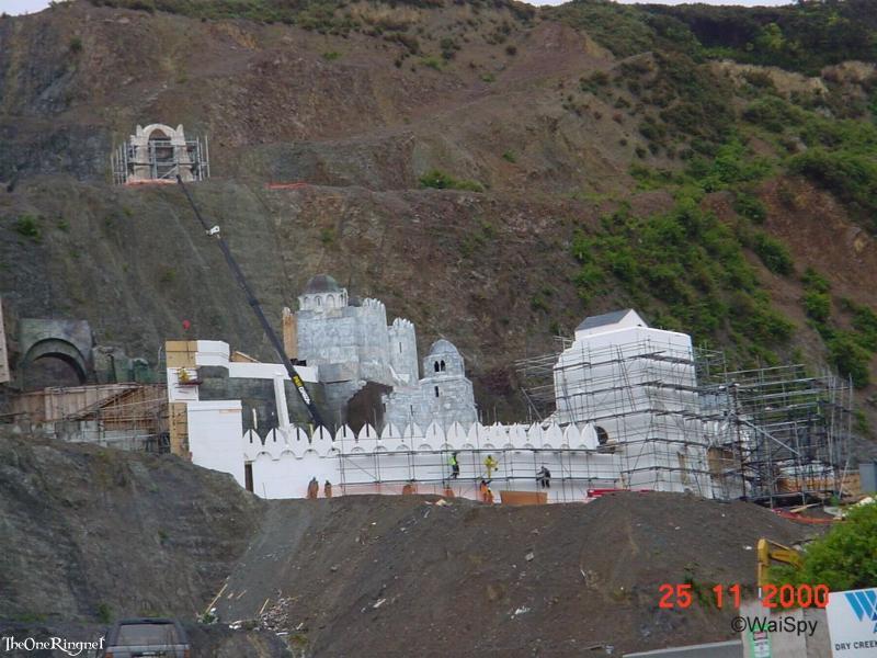 Set Pics: Minas Tirith - 800x600, 82kB