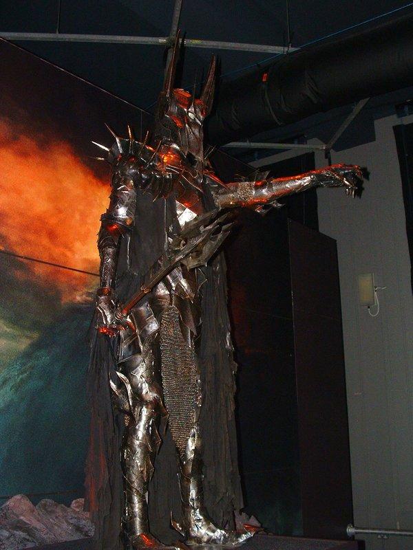 The Dark Lord Sauron - 600x800, 87kB