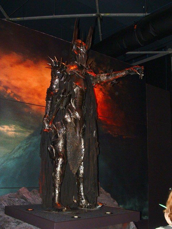 Sauron the Destroyer - 600x800, 86kB