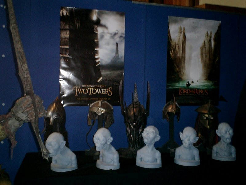 Armageddon 2003 In New Zealand - Busts, Helms and More - 800x600, 105kB