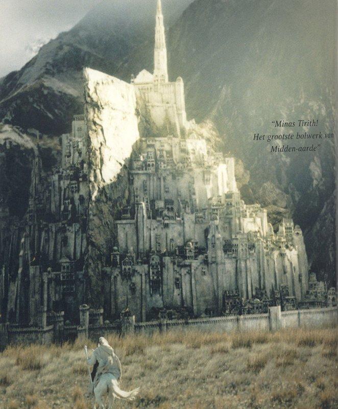 Gandalf arrives at Minas Tirith - 662x800, 103kB