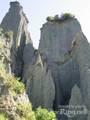 Inside The Putangirua Pinnacles - (600x800, 118kB)