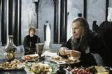 Denethor Dines While Pippin Sings - (800x533, 83kB)