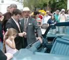 Sean Astin at Apple Blossom Festival in Winchester, VA - (800x696, 125kB)