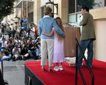 Patty Duke Gets Hollywood Star - (500x402, 62kB)