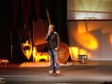 Billy Boyd on stage, part three - (800x600, 69kB)