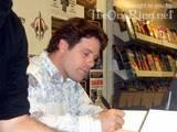 Sean Astin London Signing Photos - (600x450, 42kB)