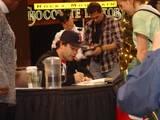 Sean Astin Booksigning in Bloomington, MN - (800x600, 89kB)