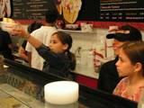 Ringers Raise Funds at Coldstone Creamery - (400x300, 21kB)