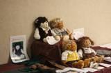 Custom LOTR Bears at the ELF 2006 Art Show - (800x533, 82kB)