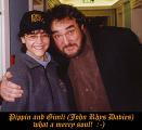 A Night To Remember!:John Rhys Davies hugs Fan - (591x540, 51kB)