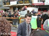 Orlando Bloom at the Wellington FOTR Premiere - (600x450, 73kB)