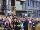 Hugo Weaving arrives at the Wellington FOTR Premiere - (800x600, 74kB)