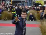Orlando Bloom arrives at the Wellington FOTR Premiere - (800x600, 64kB)