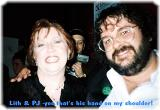 Peter Jackson with a Fan - (694x480, 37kB)