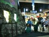 Hobbits at the New Line Booth - (320x240, 18kB)