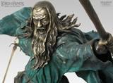 Close-up - Gandalf the Grey Bronze - (800x590, 99kB)