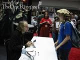 Brad Dourif signs some autographs - (500x375, 47kB)
