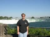 HannaBoffin at the Falls - (800x600, 94kB)