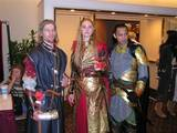 Dragon*Con 2003 Images - Elves and Man Together - (640x480, 76kB)