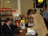 JRD At Blockbuster Video Signing in LA - (800x600, 99kB)