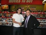 JRD At Blockbuster Video Signing in LA - (800x600, 98kB)