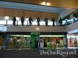 LoTR Props At Wellington Airport - (800x600, 101kB)