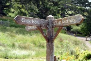 Hobbiton set signpost
