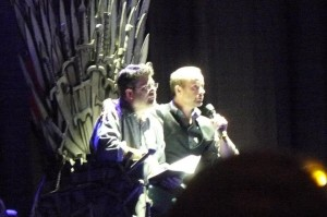 Sean Astin with Billy Boyd singing Pippins song