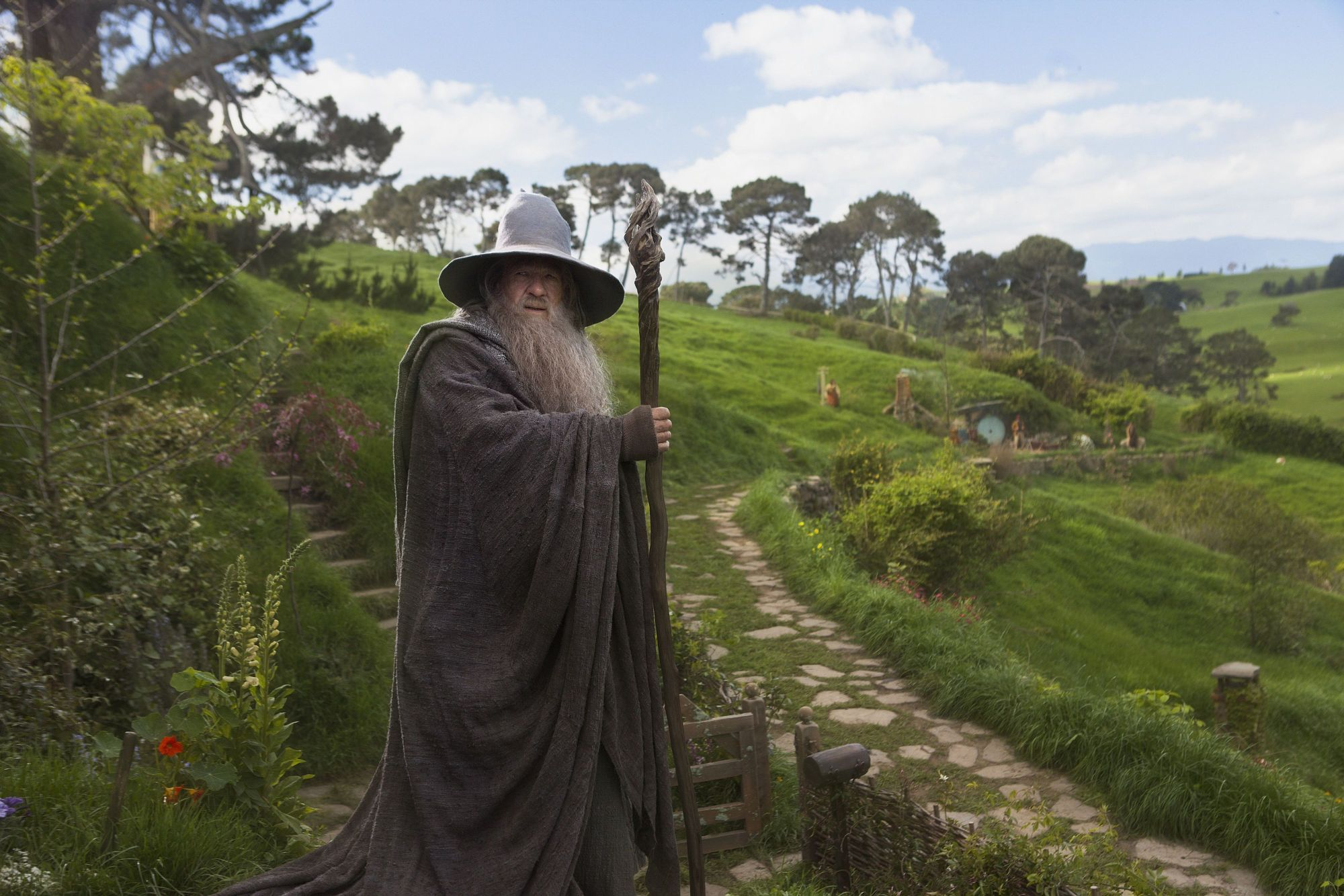 the hobbit trilogy connecting the dots and filling the blanks gandalf