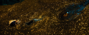 Bilbo set against Smaug by Ringer Skaan.