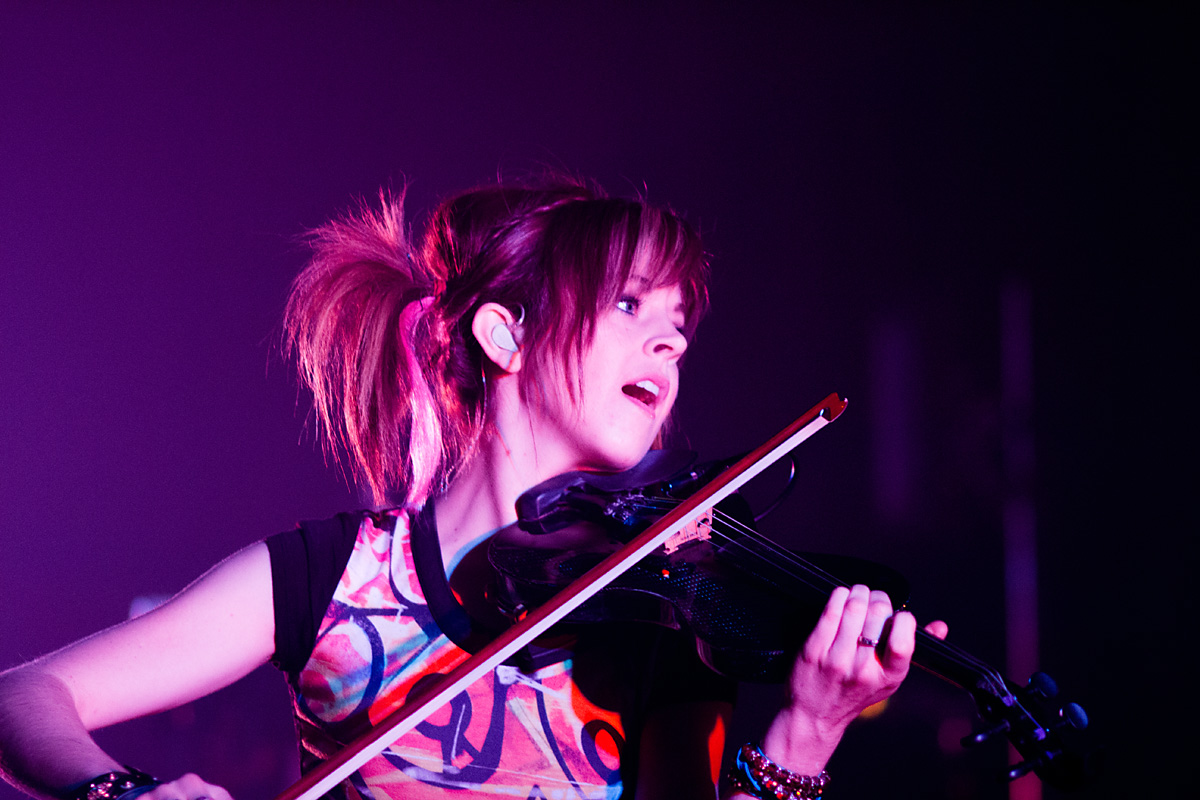 Review: Lindsey Stirling in Australia in concert | Hobbit ...