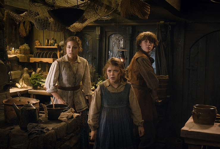 Peggy Nesbitt, Mary Nesbitt and John Bell as the children of Bard The Bowman.