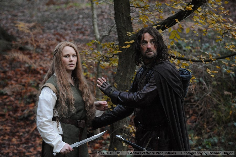 Gilraen (Beth Aynsley) & Arathorn (Christopher Dane)