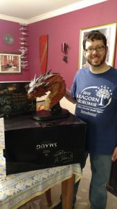 Lucky winner Rob, with his swag from Ringers take Manhattan - courtesy of Weta
