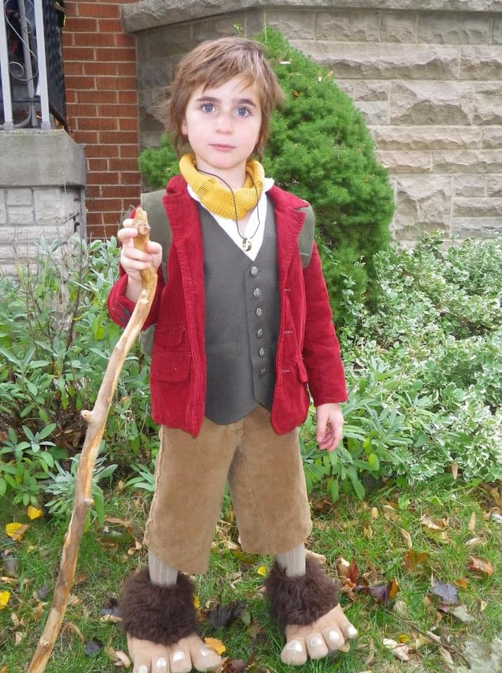 Fan Tammy Wilson's son makes a wonderful Bilbo, complete with walking stick and hairy hobbit feet!